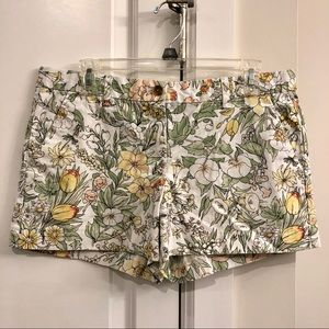 Gap Floral Print Khaki Shorts - Size 8